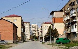 В Цхинвале продолжается облагораживание придомовых территорий.