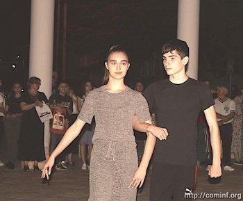 В столице Южной Осетии возрождают танцевальные вечера