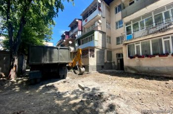 Столичные власти приступили к  ремонту придомовых территорий